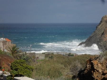 Start of the GR131 at Playa Vallehermoso.