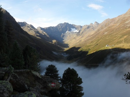 Mist in the valley below the Potsdamer Hut.